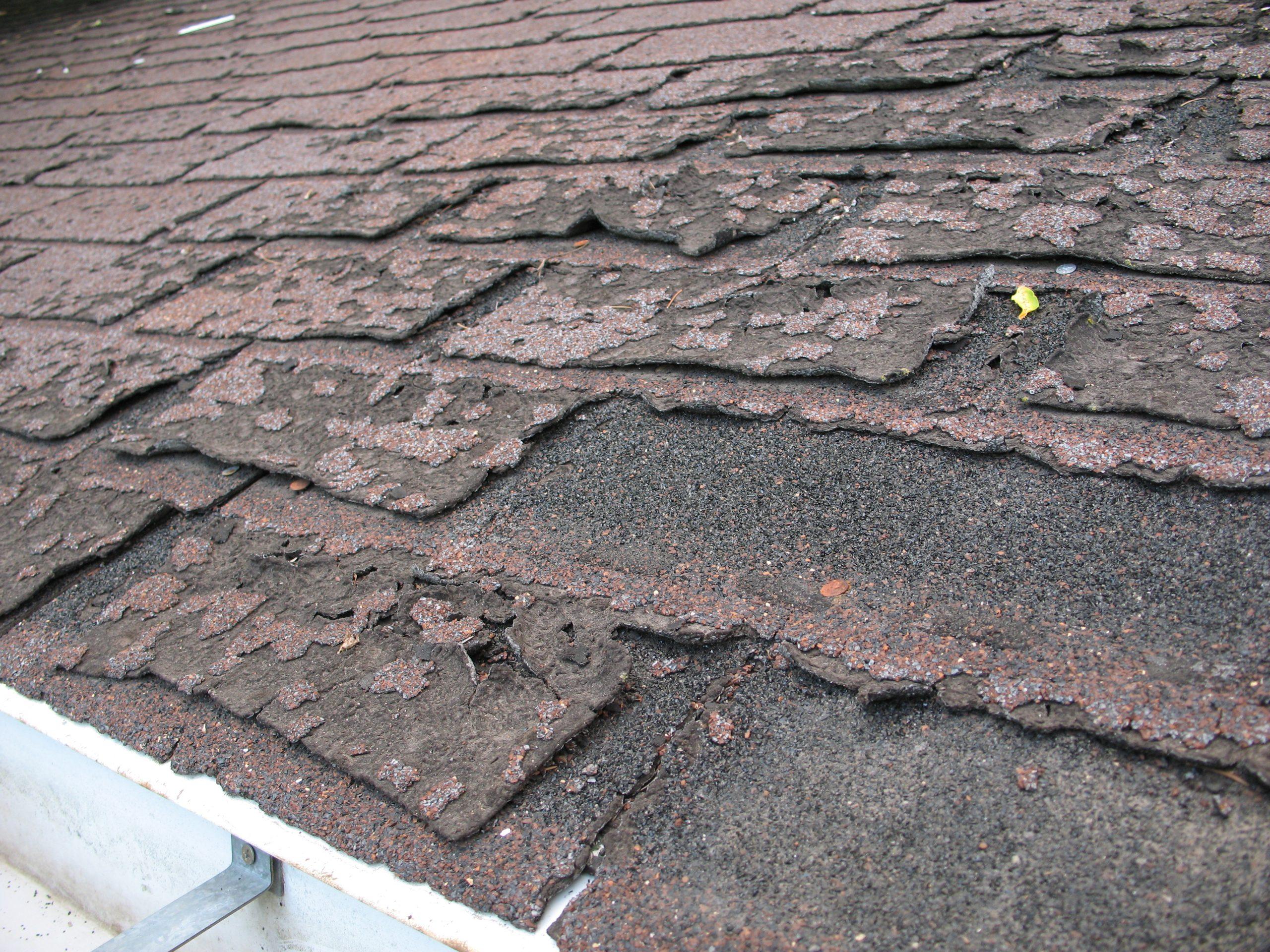 How Long Do Asphalt Roof Shingles Last?
